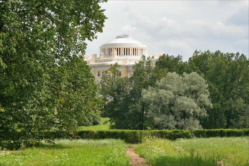 Павловский парк, Вид на Павловский дворец со стороны Долины прудов