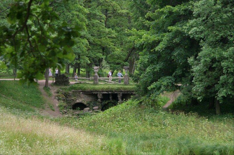 Павловский парк. Руинный каскад