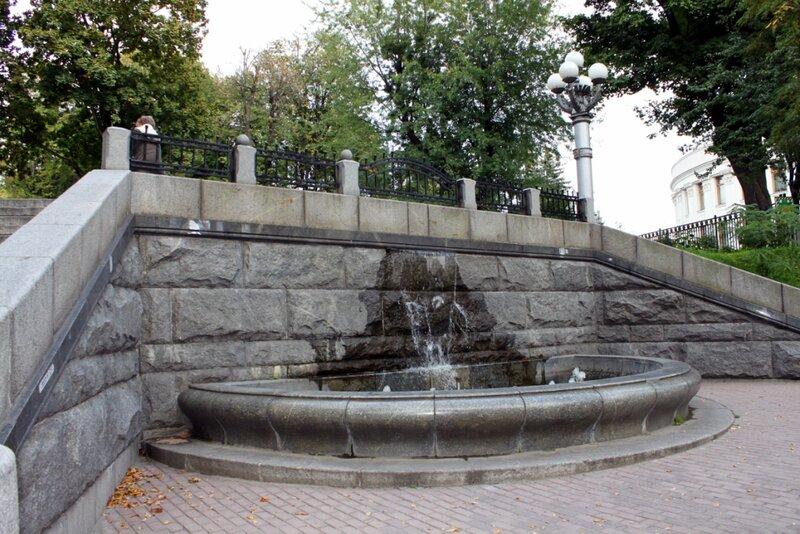 Водопад на Грушевского