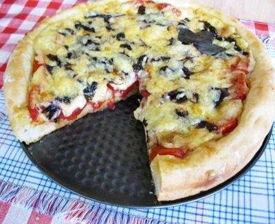 как готовить домашнюю пиццу с помидорами и сыром