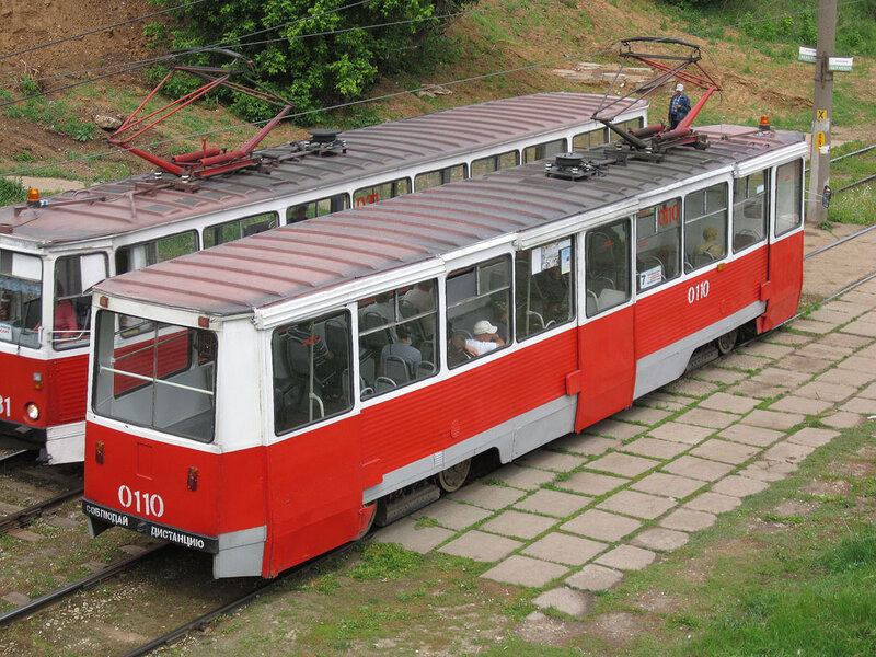 Узел Хасана Туфана, маршрут 7 Трамвай направляется на Литейный завод.  27 мая 2012 г., воскресенье Автор.