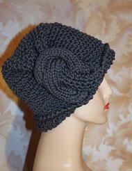 Загадочный узелок - изюминка женской шапочки