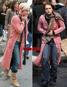 Розовое пальтишко крючком