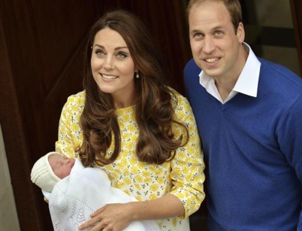 Кейт Миддлтон и принц Уильям крестили младшую дочь Шарлотту