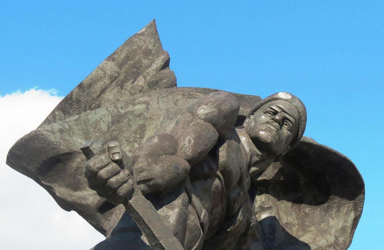 Памятник революционерам-железодорожникам