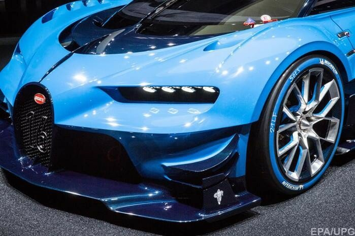 Фото и видео лучших автомобилей на Франкфуртском автосалоне 2015 года
