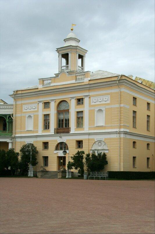 Павловский дворец, флигель