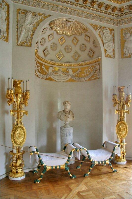 Павловский дворец, Зал войны