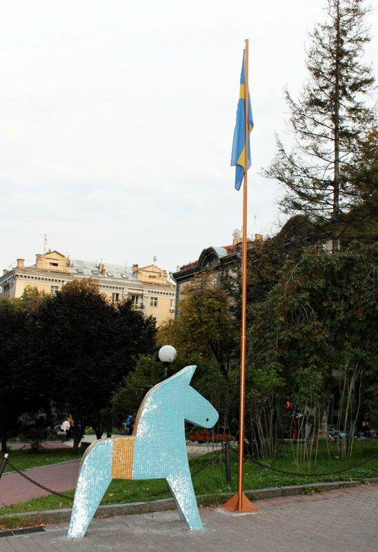 Национальный символ Швеции в Киеве