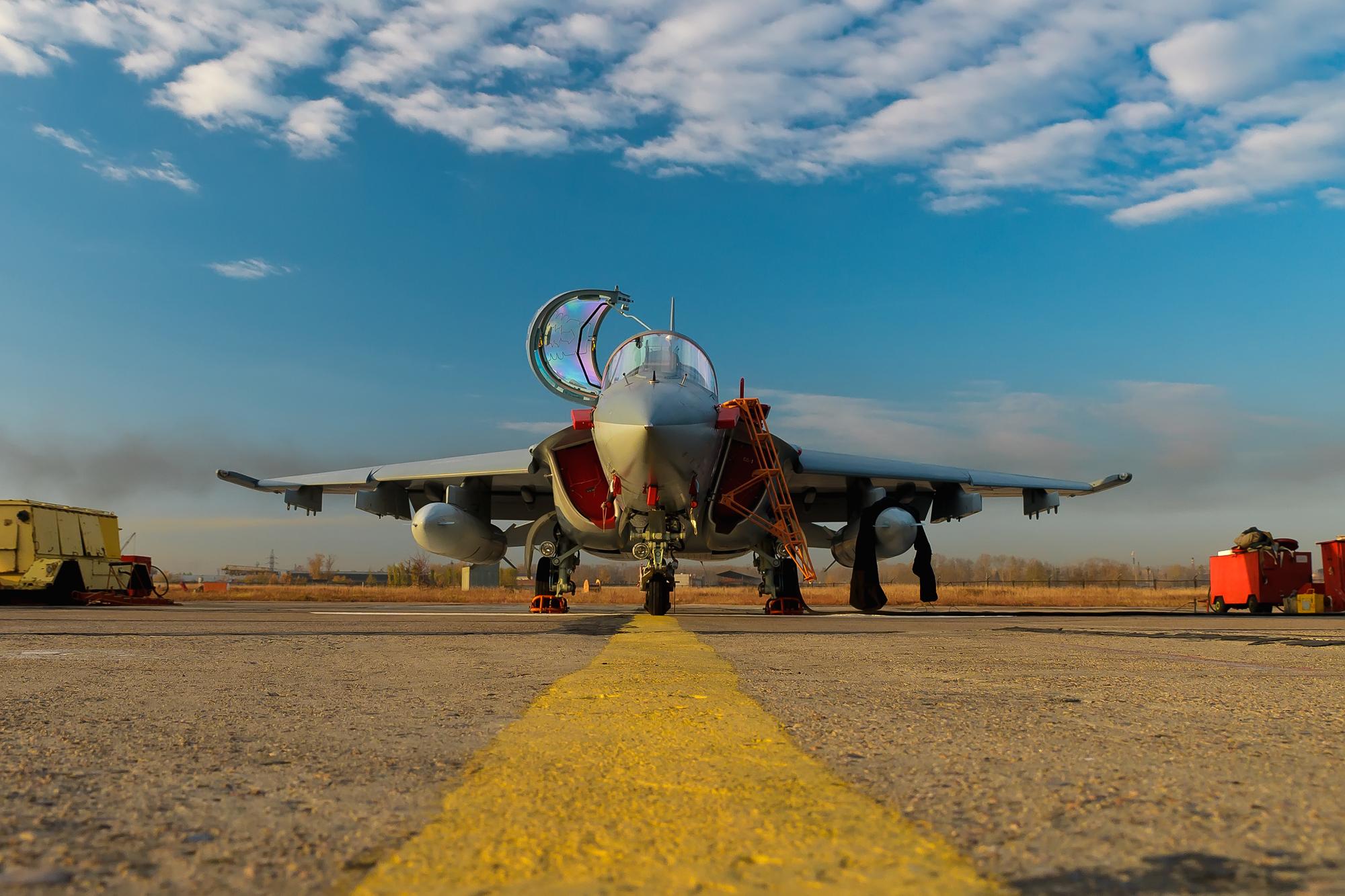 36 Strike Yak 130 جديدة للجزائر  0_81a20_5539182d_orig