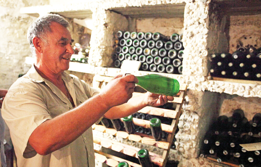 Как сделать домашнее вино из белого винограда в домашних условиях
