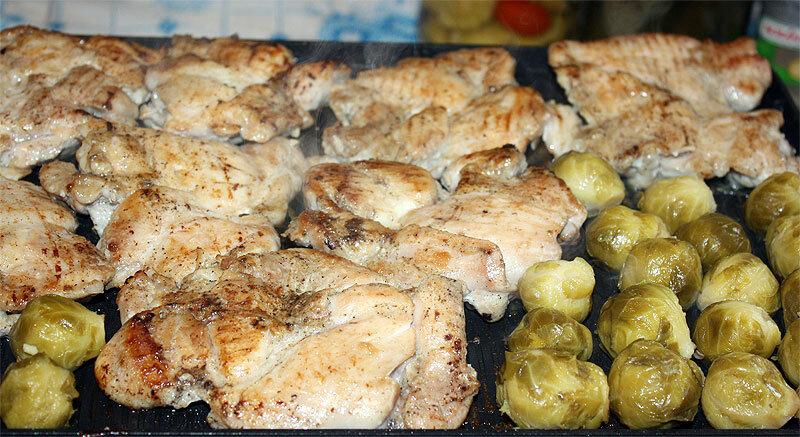 Куриное красное филе и брокколи