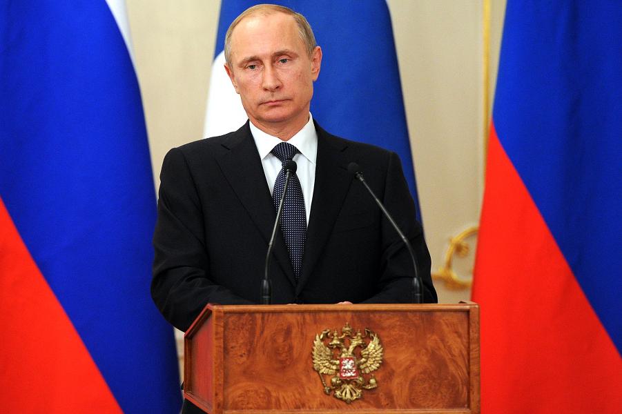 Путин на пресс-конференции с президентом Финляндии.png
