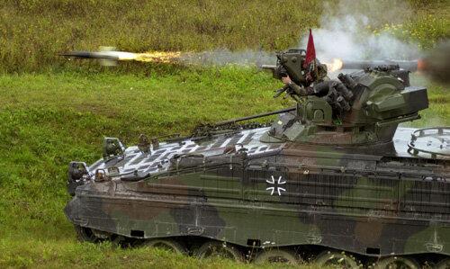 Bundeswehr training -- Marder missile fire