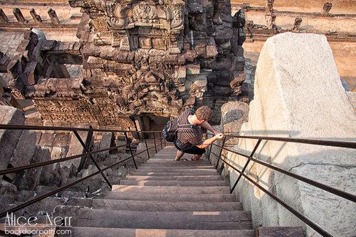 лестница в одном из храмов в ангкоре