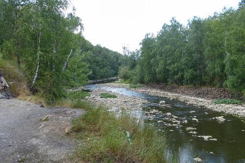Река Верхняя Сатка после плотины электростанции Пороги фото