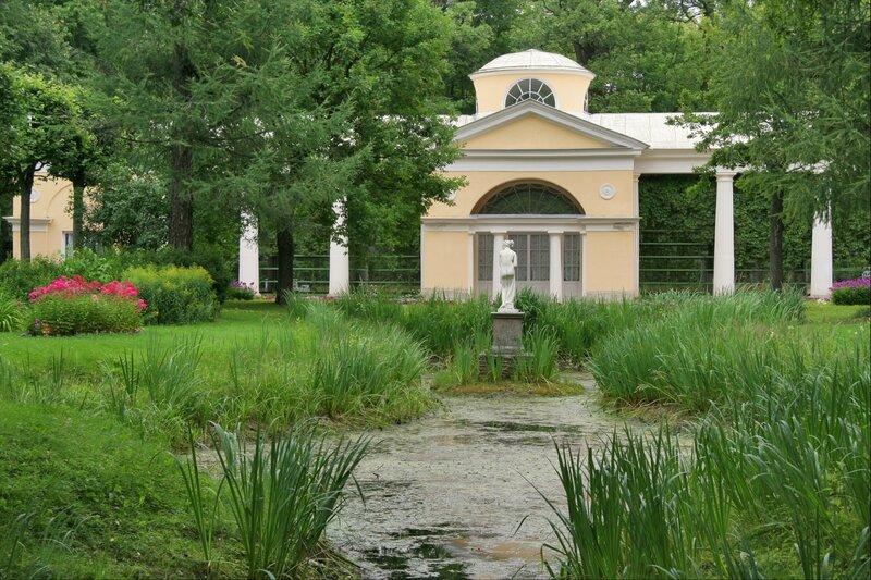 Павловский парк, Птичник, или Вольер и Вольерный пруд