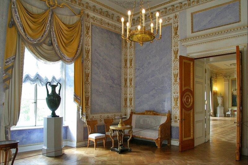 Павловский дворец, жилые комнаты I этажа, Угловая гостиная