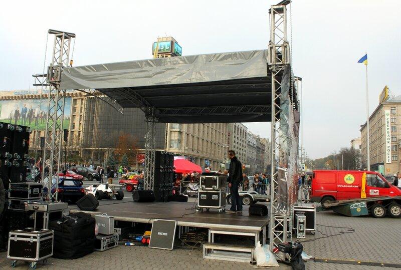 Сцена фестиваля на Майдане