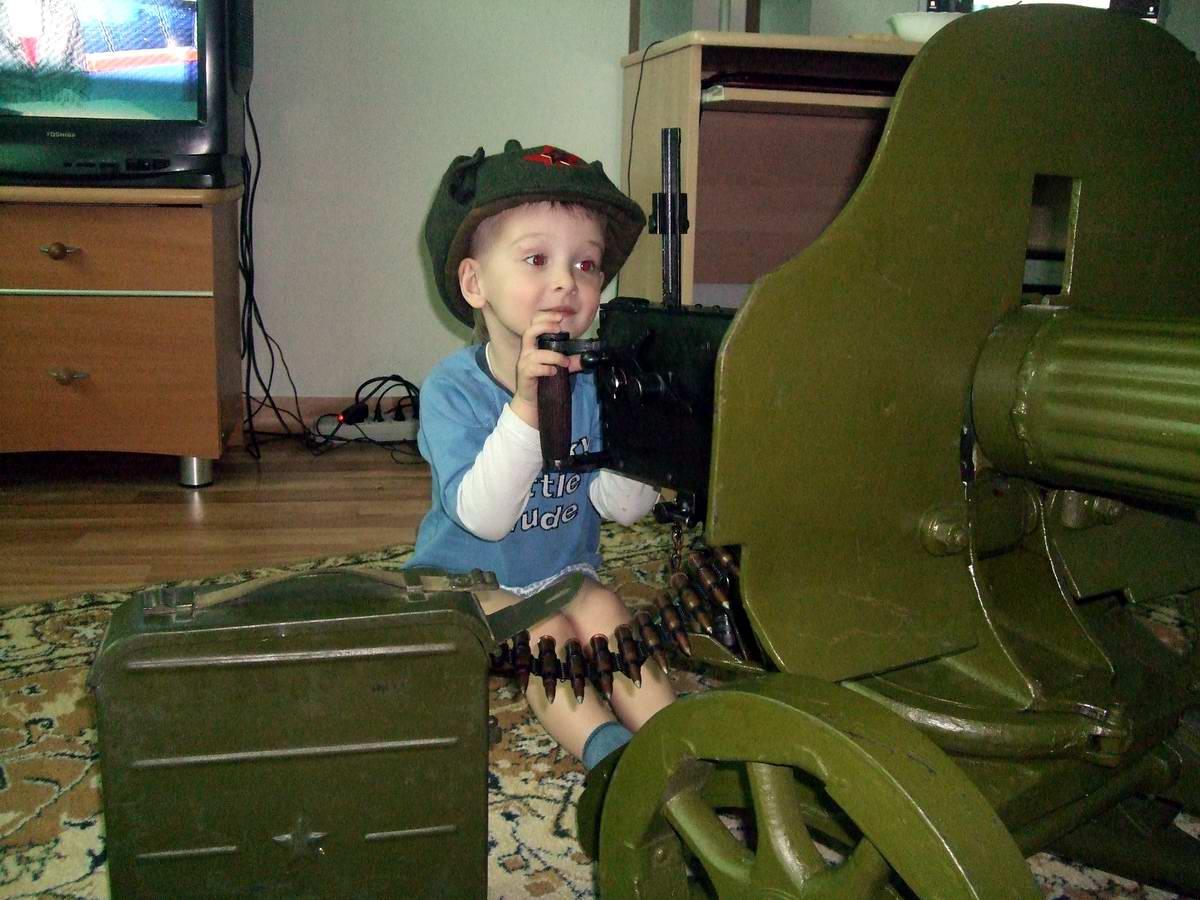От тайги до британских морей Красная Армия всех сильней