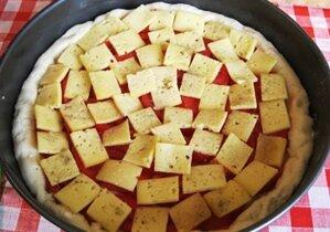 домашняя пицца с сыром