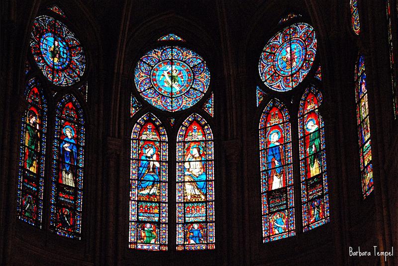 витражей собора Парижской