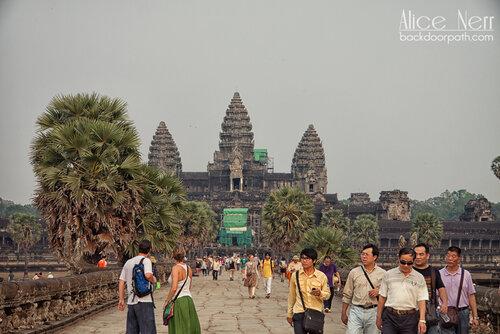 Ангкор ват и туристы