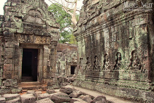 руины на территории Ангкора