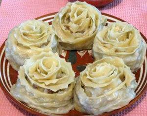 Манты в виде розы. Готовое блюдо
