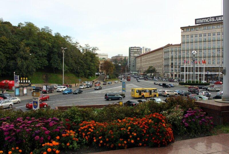 Европейская площадь и вход в Хрещатый парк