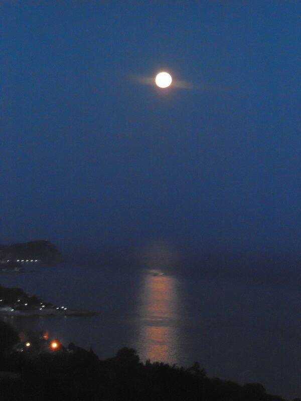 Крым, Алупка,вечер,полнолуние