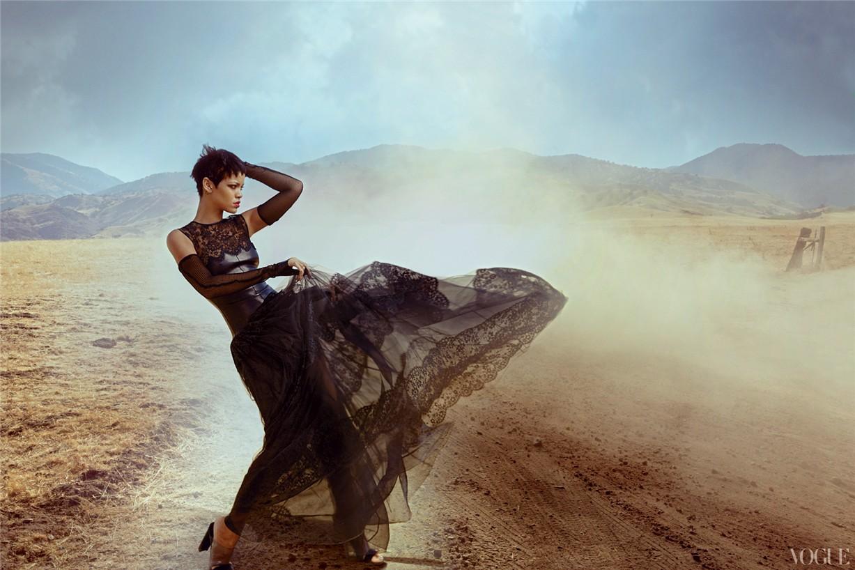 Rihanna / Рианна в журнале Vogue US, ноябрь 2012 / фотограф Annie Leibovitz