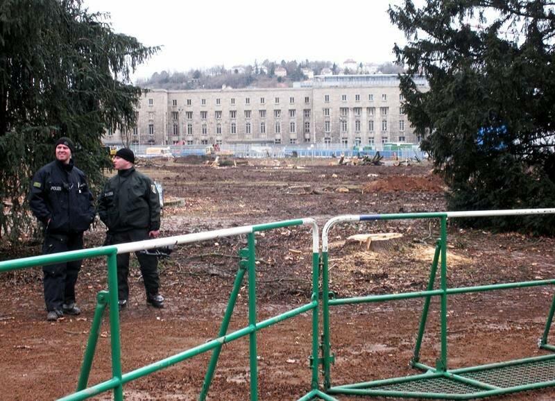 Щтутгарт-21, уничтожение парка и памятников культуры