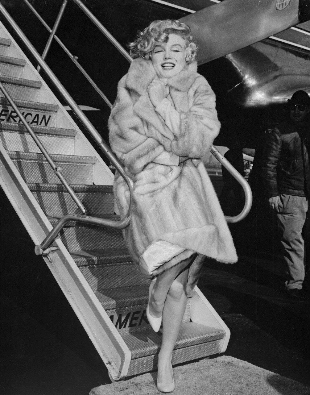 Marilyn Monroe Wearing Fur Coat