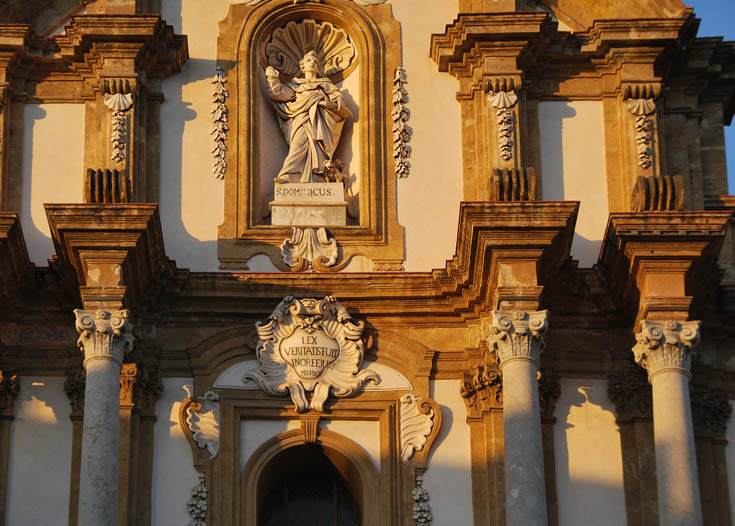 mannerism and rococo architecture Baroque art came before rococo art, and for those who are not very well  of,  relating to, or characteristic of a style in art and architecture.