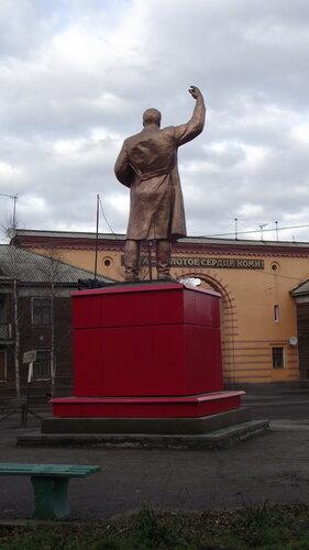 Фотография Инты №2000  Памятник Сергею Мироновичу Кирову 07.10.2012_14:03