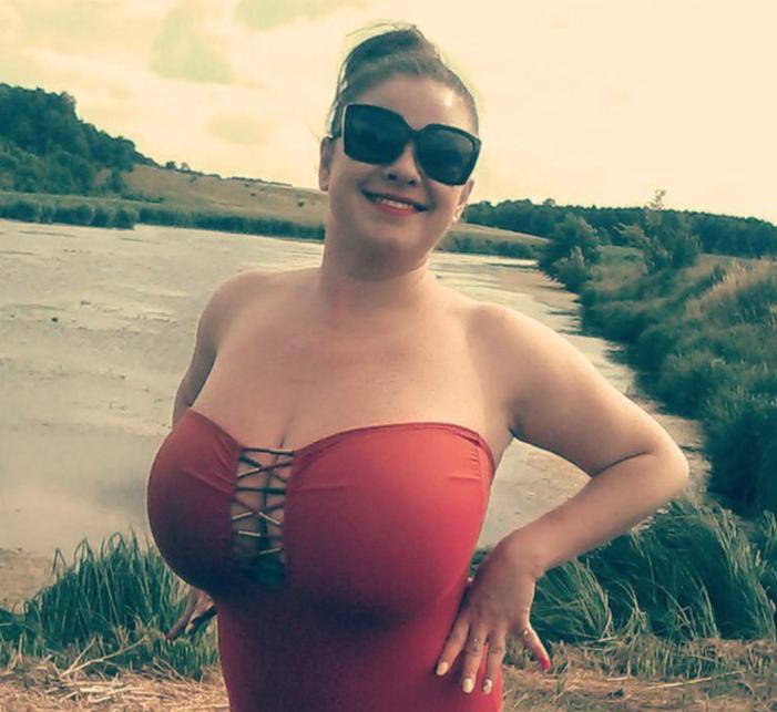 Брюнетка изВинницы установила рекорд Украинского государства по наибольшей груди