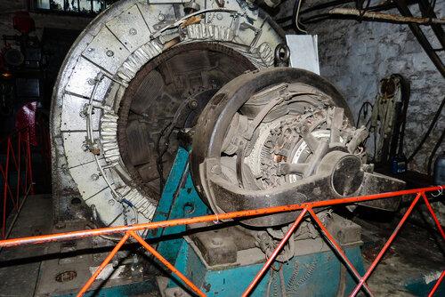 Генератор машины электростанции Пороги фото