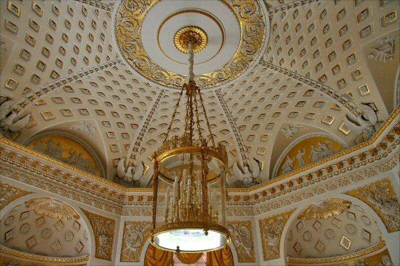 Павловский дворец, Зал мира