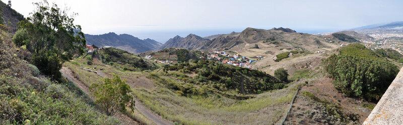 Лас Мерседес и в правом углу Сан Кристобаль де Ла Лагуна, Тенерифе