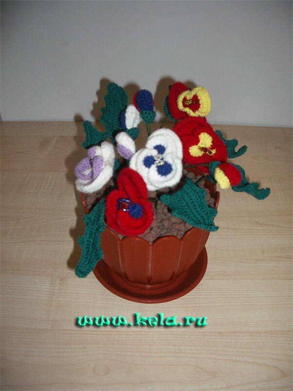 Схемы и мастер-классы, т.е. как собирать цветы, можно посмотреть на моём сайте Схемы по вязанию, а так.