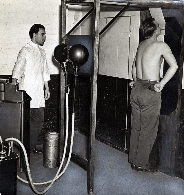 A draftee undergoes an X-ray as part of his induction physical into the U.S. Army.jpg