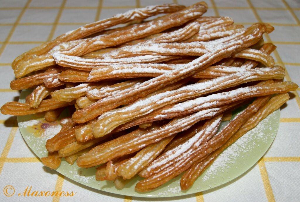 Чуррос (заварные жареные «пальчики»). Испанская кухня
