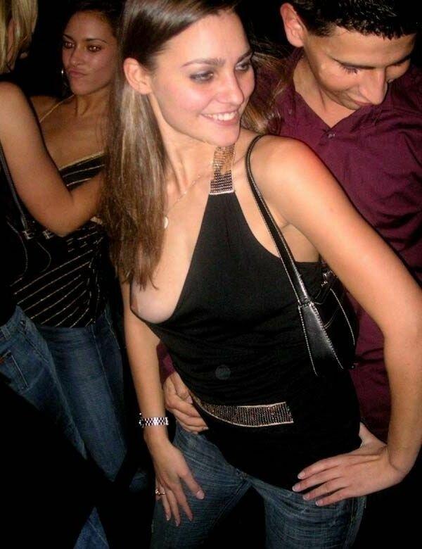 Party nipple slip — photo 2