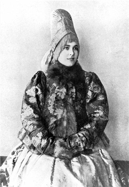 Женщина в кокошнике. Костромская губ. Фото. 1900-е гг.