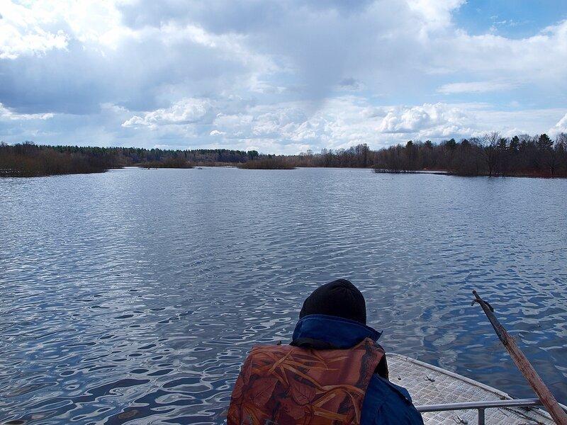 На лодке по озеру Просному