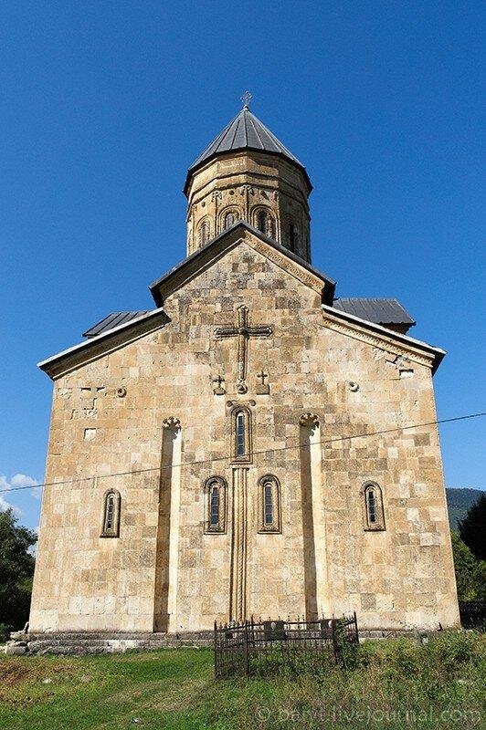 Церковь Баракони, восточная сторона