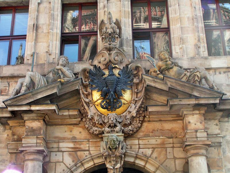 Орел — основной элемент Малого герба Нюрнберга