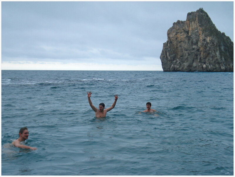 И конечно же купание! Правда в дождь, но зато в море, перед самым новым годом!