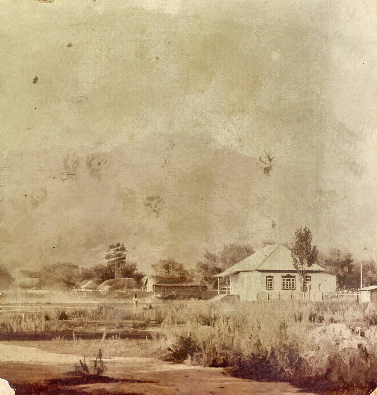 Церковноприходская школа в селе Сазановка(Ананьево).  1904 год